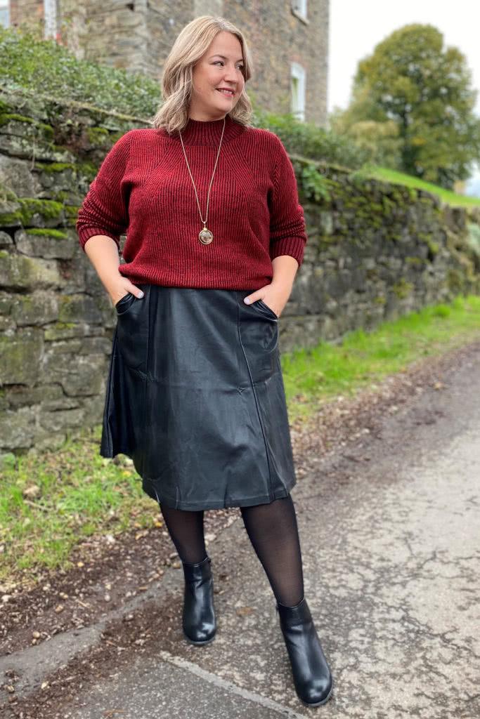 v-shaped-body-fashion-ideas-skirt-683x1024-1